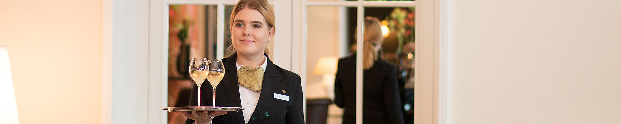 Internship and Placement - Busniess & Hotel Management School Lucerne